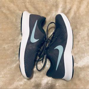 Nike Revolution 4 running shoes